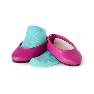 GRN51_Courtneys_Flats_and_Socks_01