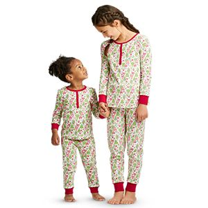 HPJ01_Hearts_Pines_Holiday_PJs_for_Girls_and_Little_Girls_01