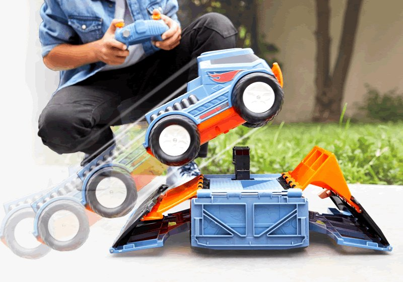 Hot Wheels RC Trick Truck Transforming Stunt Park Vehicle | FRL17 | Hot  Wheels
